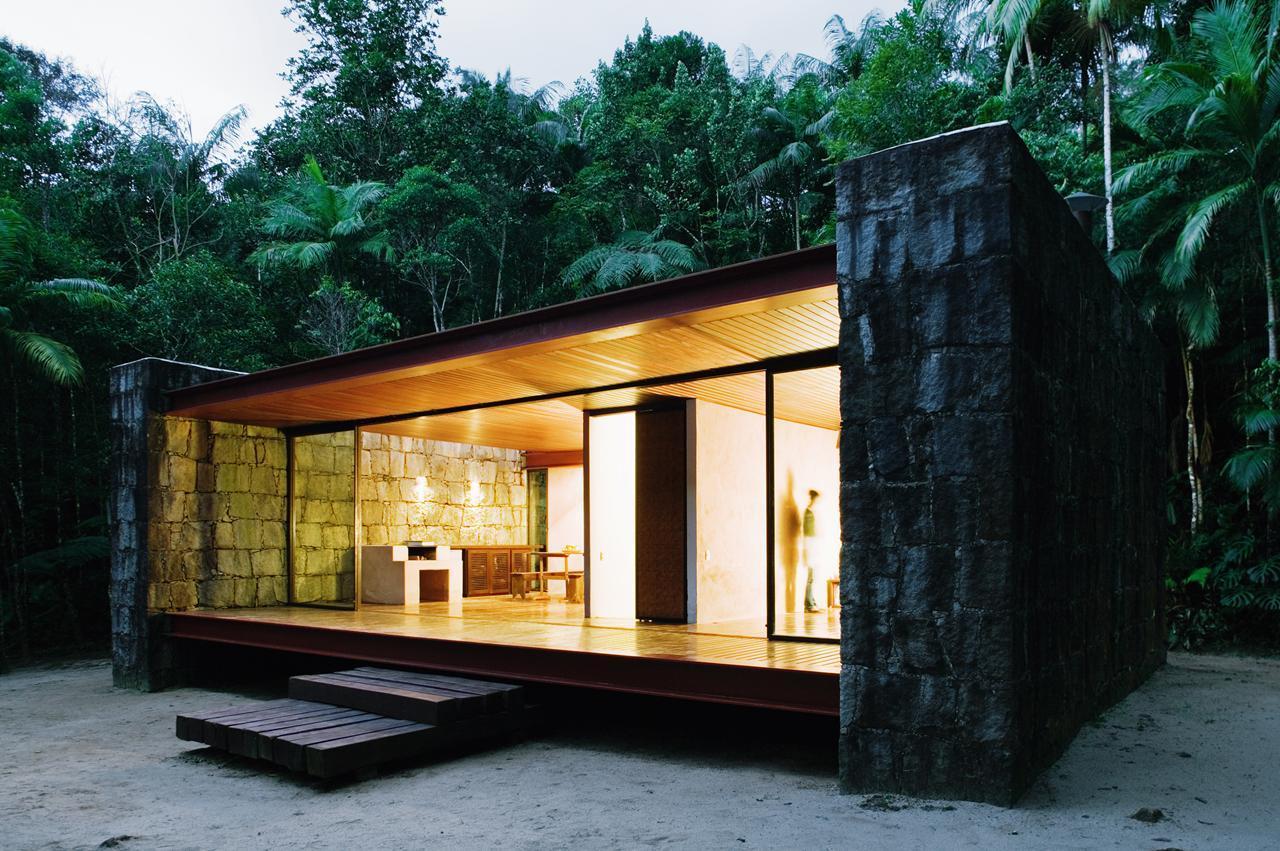 Дом из дерева и стекла своими руками